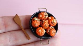 Miniature stuffed pumpkins in a pan. 1:12 scale. Polymer clay. Tutorial. DIY. Миниатюрные тыковки.