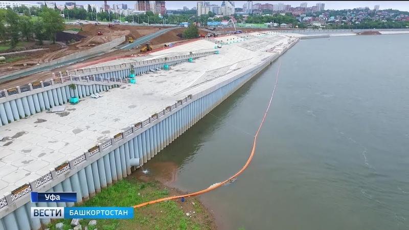Масляное пятно на реке Белой в Уфе удерживают тремя боновыми ограждениями