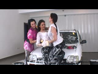 3 girls soapy wetlook carwash