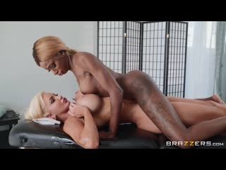 Nicolette Shea, Kinsley Karter - Put Your Body Into It - Porno, Big Ass Tits, Blonde, Ebony, Lesbian, Oil, Massage