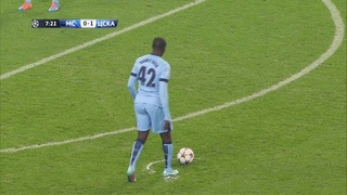 10 Minutes of Yaya Toure Showing His Class in Manchester City!