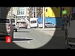Момент ДТП с маршруткой номер 78 попал на видео