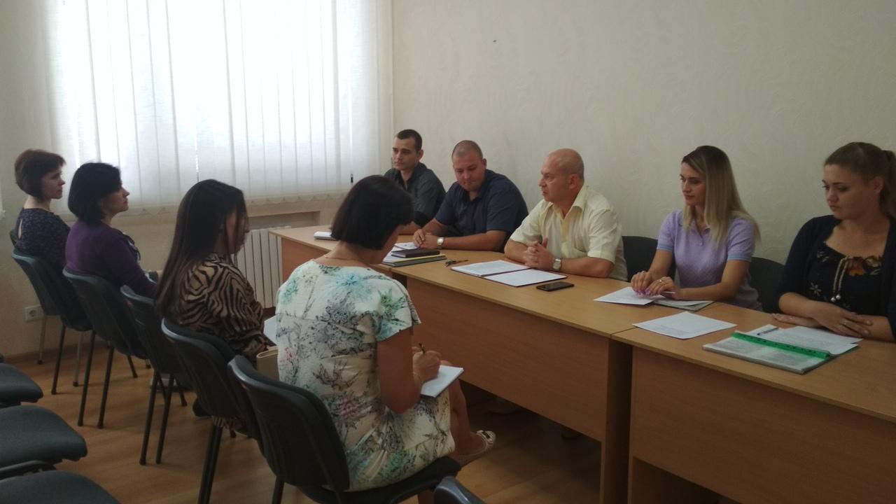 Специалисты Донецкого городского управления юстиции провели семинар с представителями районных администраций