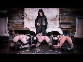 Leda Elizabeth, Charlotte Sartre, Harlowe Blue - Dark Ritual Dick (Foursome, FFFM, 69, Amateur, BlowJob, Brunette, Tattoo)