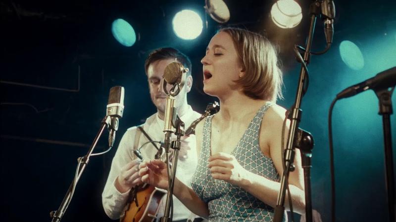 Hayde Bluegrass Orchestra - Wayfaring Stranger   Live at John Dee