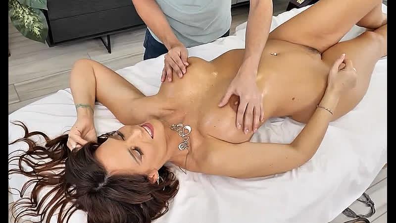 ПОРНО ЕЙ 50 ЗАСАДИЛ ТЁЩЕ ВМЕСТО МАССАЖА milf mature gilf granny porn sex 2020