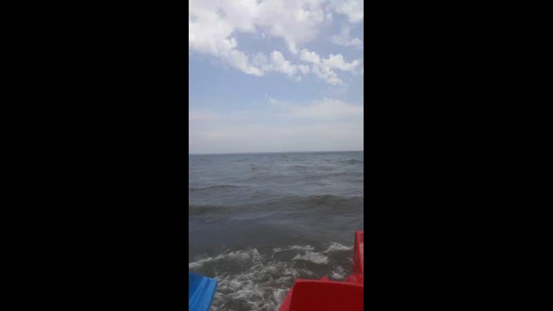 Озеро бушует сегодня