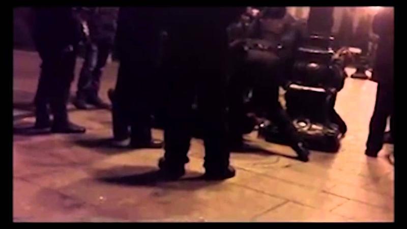 Беркут избивает людей на Банковой видео очевидца
