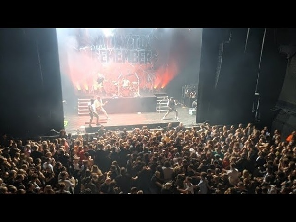 A Day To Remember - Degenerates (New Song 2019) @ Nijmegen