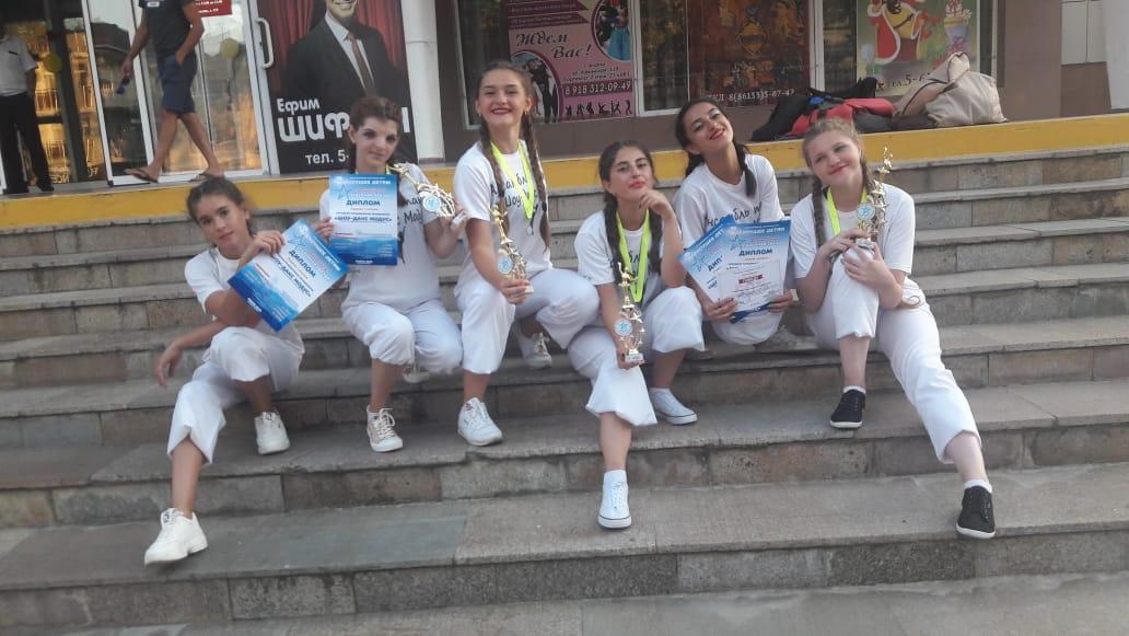 «Шоу-данс Модус» из КЧР, победители в трех номинациях на Всероссийском танцевальном конкурсе