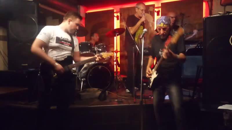 ПИРАМИДА - Whole Lotta Rosie (Кавер-вечер группы AC/DC. Gung'Ю'бazz Bar (Донецк) 9.08.19.)