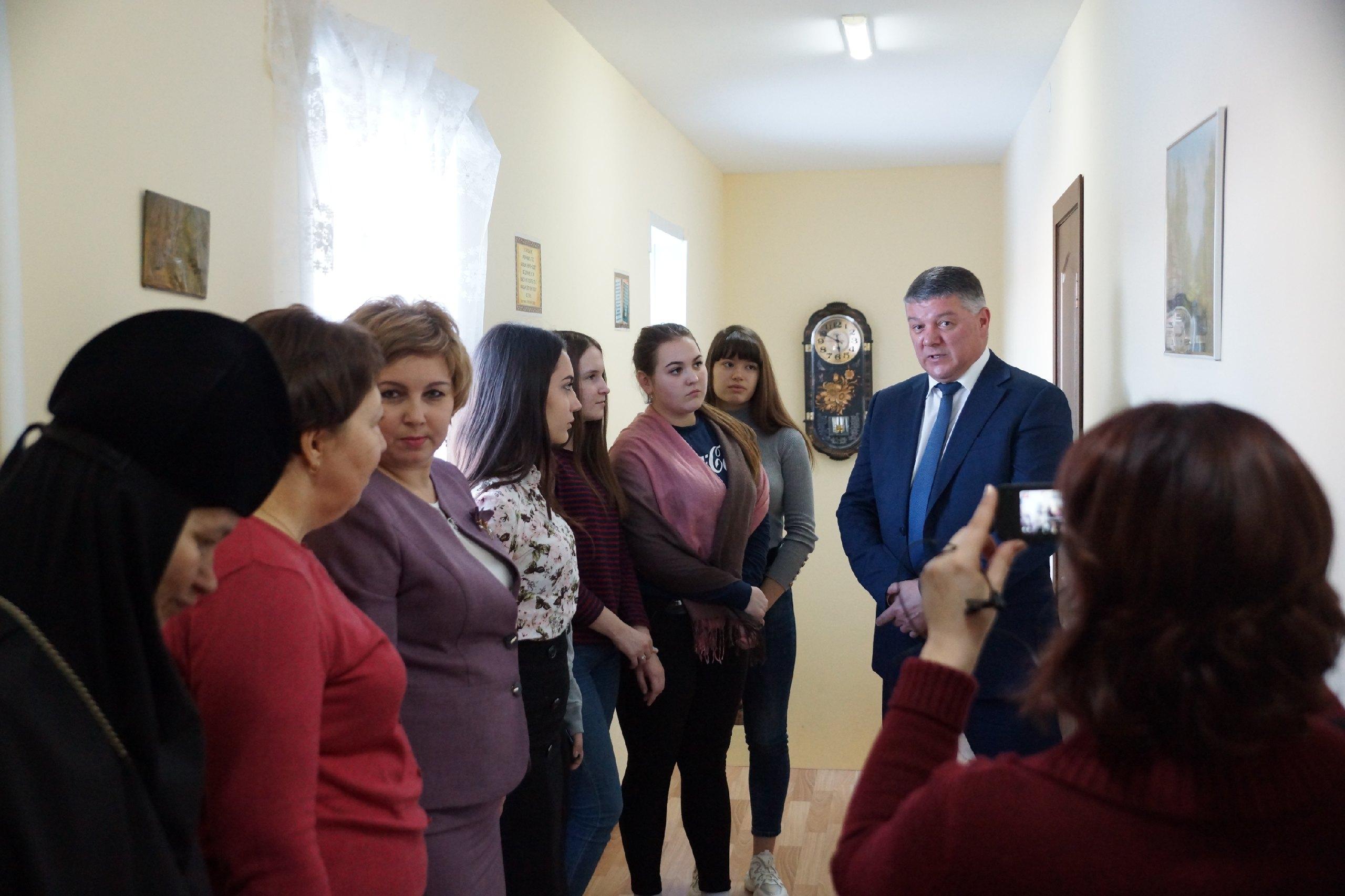 Открытие социально-реабилитационного центра 14