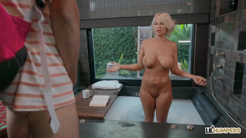 Зрелая дама трахнула озабоченного школьника, crazy sex mom milf porn mature young boy son fuck tit ass boob love (Hot&Horny)