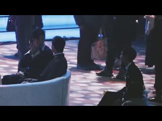 [Fancam] FYFY на церемонии Tencent - Оглянулся на него 37 раз