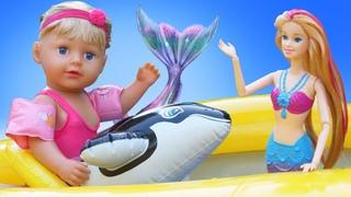 Сomment devenir une sirène? Vidéo avec Barbie et Baby Born Sister pour filles.