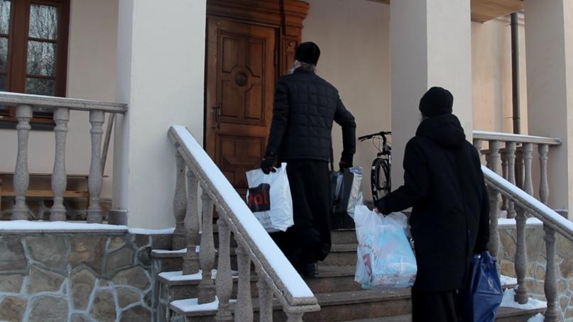 Добровольцы кинокомпании «Союз Маринс Групп» привезли новогодние подарки для детей с ограниченными возможностями, изображение №3