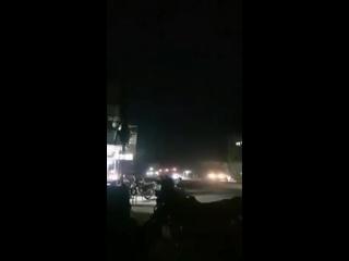 Турецкая машина сбила ребенка в сирийском городе Суджу. Арабы в отместку обстреляли турецкий конвой :