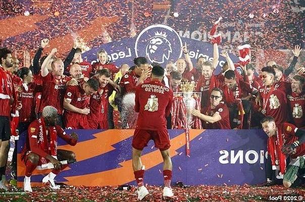 """Хендерсон рассказал, почему """"Ливерпуль"""" праздновал чемпионство с безалкогольным шампанским 💪🏻🍾"""