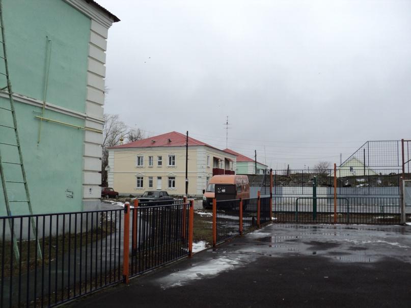 Типовая советская жилая архитектура 50-х годов в Белоомуте., изображение №4
