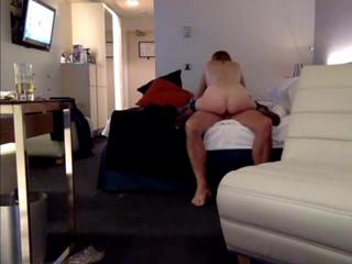 Русская шлюшка с любовником изменяет в отеле
