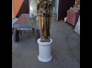 Скульптура ангел на мраморной колонне
