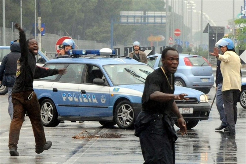 Nigeriani protestano a Castelvolturno (CE)