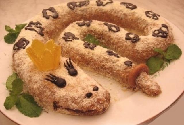 """Торты и десерты  """"Змея"""" - рецепты, идеи оформления, фото"""