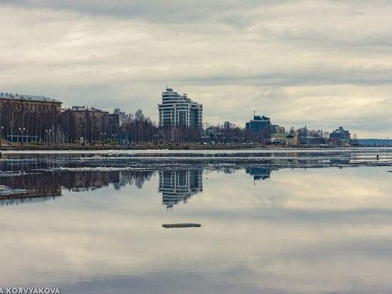 Шикарный вид на Онежское озеро.