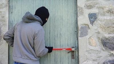 В Марий Эл 38-летний мужчина искал металлолом на чужих садовых участках