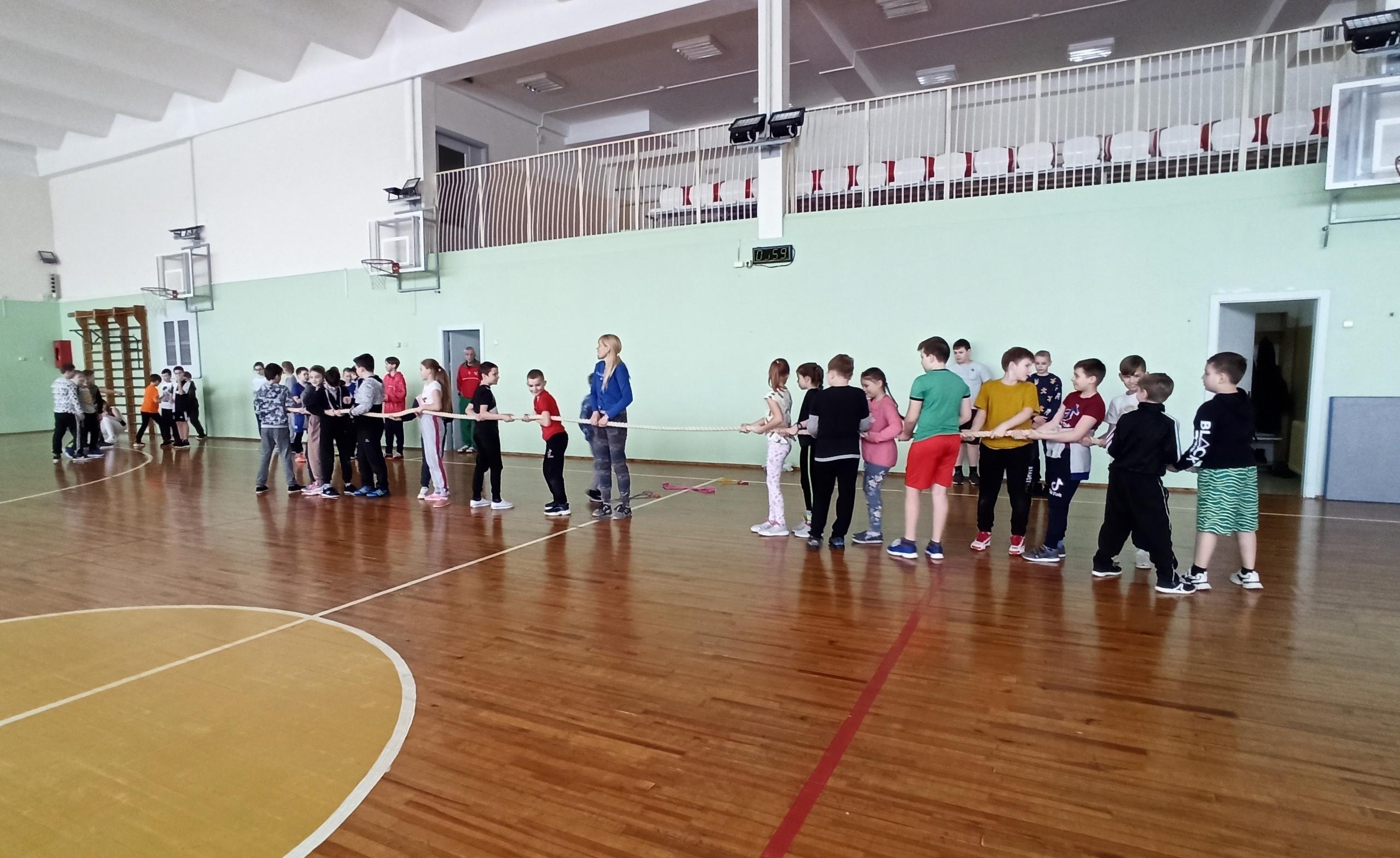 Знакомство с традиционными спортивными играми на Масленицу