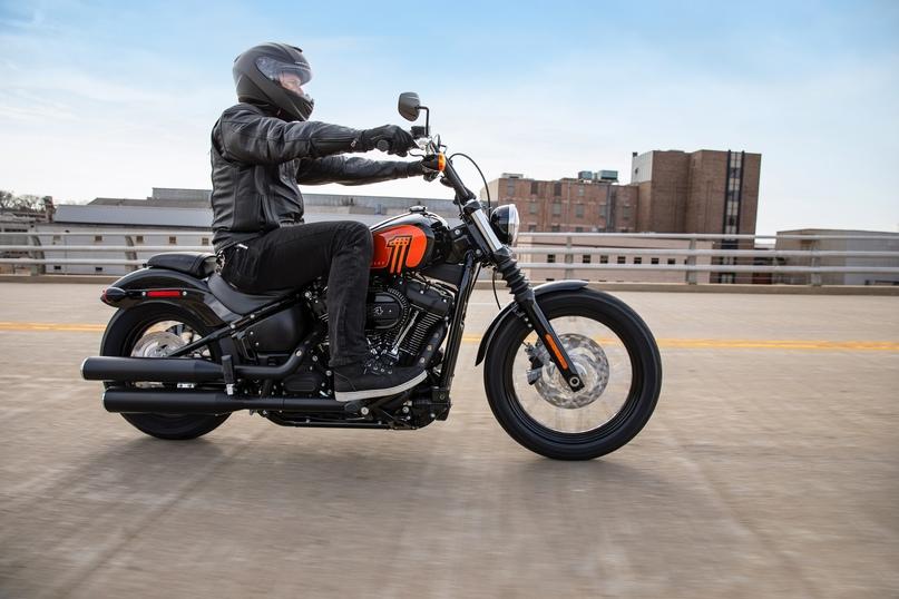 Новый мотоцикл Harley-Davidson Street Bob 114 и обновленный Harley-Davidson  Fat Boy 114 в топе линейки H-D Softail 2021