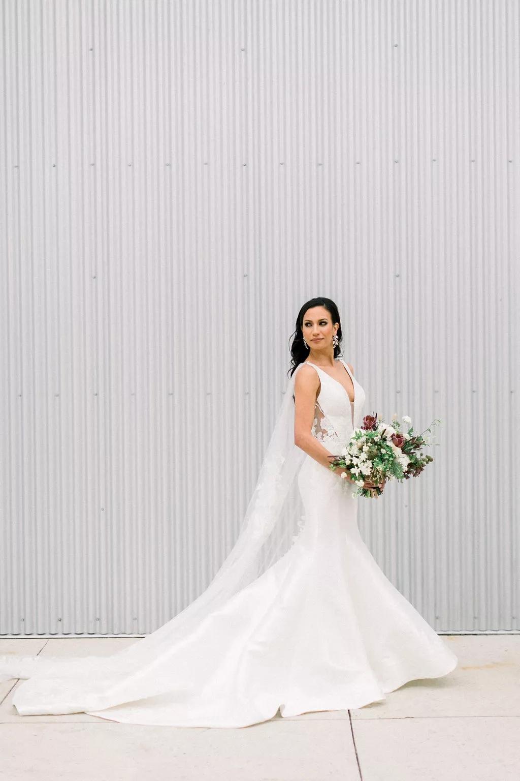 oIzGO2YfUc4 - Как найти веселого ведущего на свою свадьбу