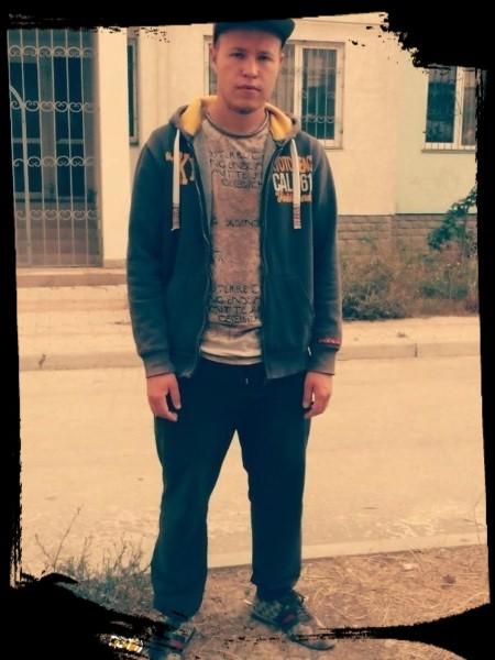 Игорь, 25, Yevpatoriya