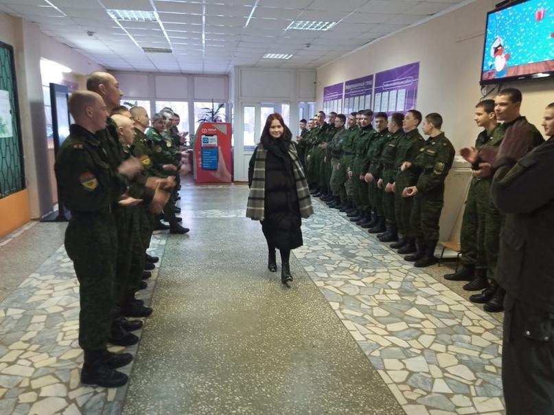 Поздравления женщин, сотрудников, педагогов и студенток., изображение №2