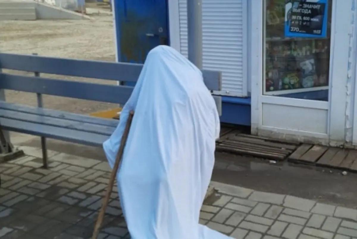 На остановке в Йошкар-Оле обнаружили мертвую женщину