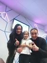 Евгений Конюхов со своими девочками в планетарии