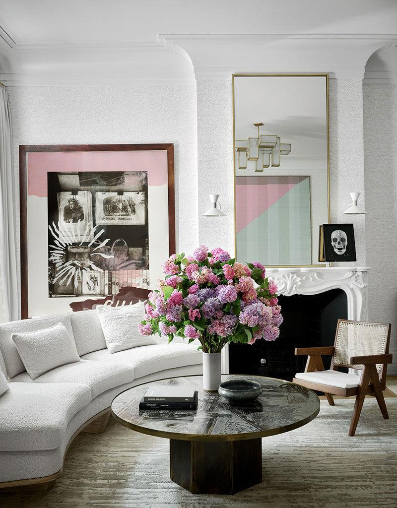 Спокойная элегантность и яркие акценты: обновлённый таунхаус семьи дизайнера в Нью-Йорке