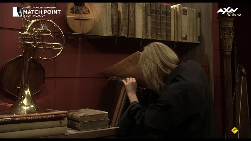 Scoop (2006) Scarlett Johansson Romola Garai sexy escene 02