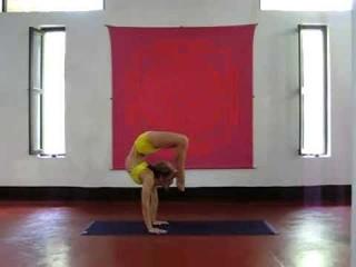 Advanced Back Bend demonstration by Kino Macgregor
