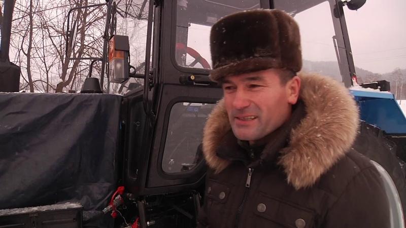 В деревне Новый Бердяш трактор приобретенный по программе ППМИ чистит от снега сельское поселение
