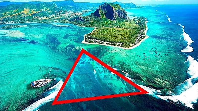 Чудом Выжившие Моряки Рассказали Что Происходит в Бермудском Треугольнике