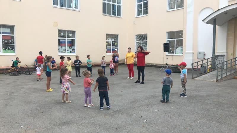 Музыкальный бой у ДК Гознака